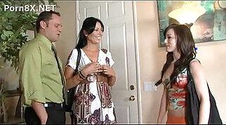 xporn.host Babysitter.Diaries.4 CD1 03