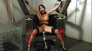 Busty brunette loses her mind to use a machine and play with that pussy lips