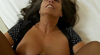 Mature MILF with great tits shows off herself pussy in pantyhose