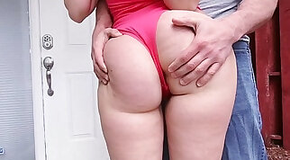 Sexy PAWG Ryan Smiles Hot Workout on Ass Parade