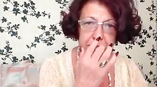 Captured cam granny brutally analized