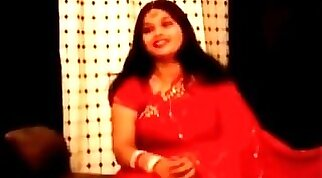 chubby fat indian aunty in red sari