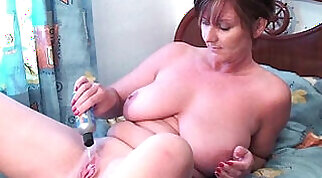 chfl blonde granny pussy and ass